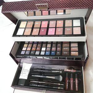 ULTA  Flirty & Flawless Makeup Collection